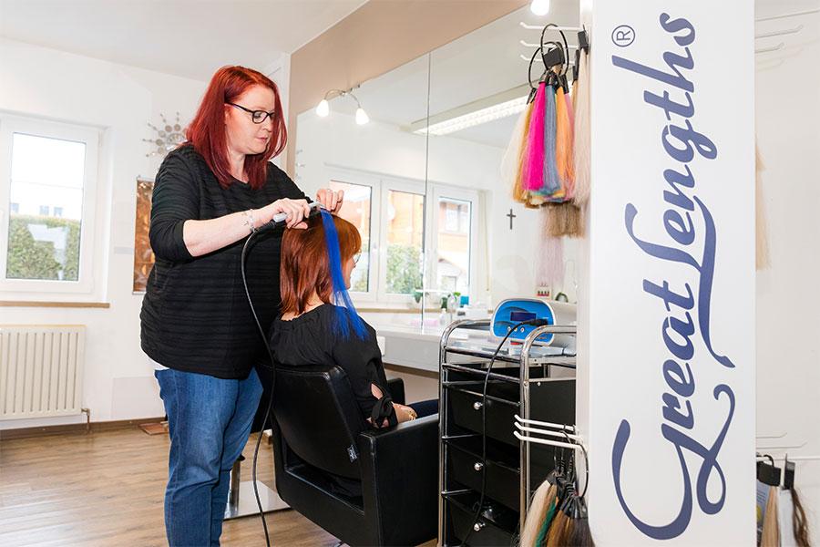 Haarverlängerung bei Friseur Beauty Lounge